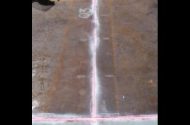 Fotografía 4-B. Prueba de Líquido Penetrante en juntas del piso del tanque.